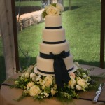Cake Flower Decoration by Go Wild Flowers (Beth Cox)